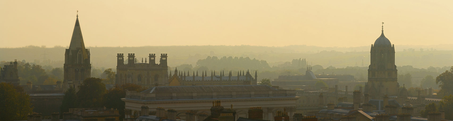 Oxford_Skyline_Panorama_from_St_Mary's_Church_-_Oct_2006
