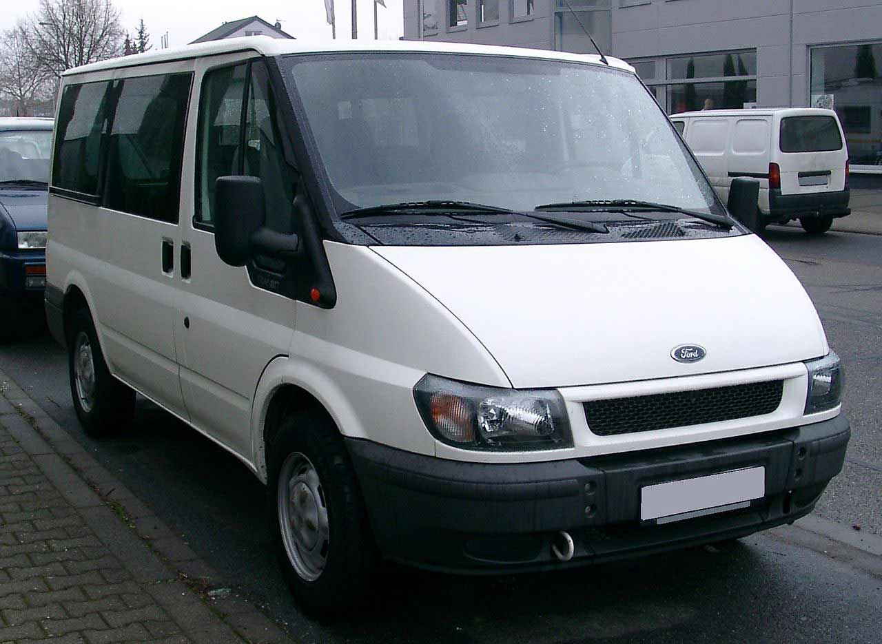 1280px-Ford_Transit_front_20071231